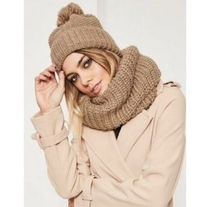 Missguided Camel Knitted Snood & Hat Set